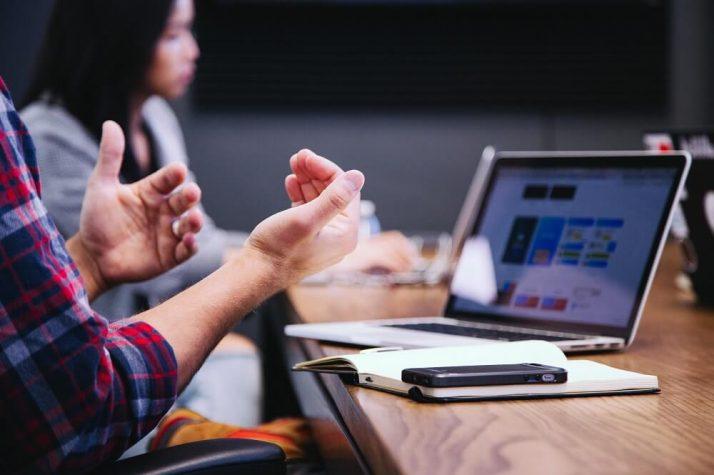 Как се прави прехвърляне на фирма?
